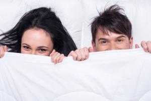من يفكر في الجنس أكثر الرجال أم النساء؟