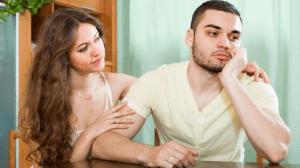 هل ينفع تجاهل المرأة في لفت انتباهها؟