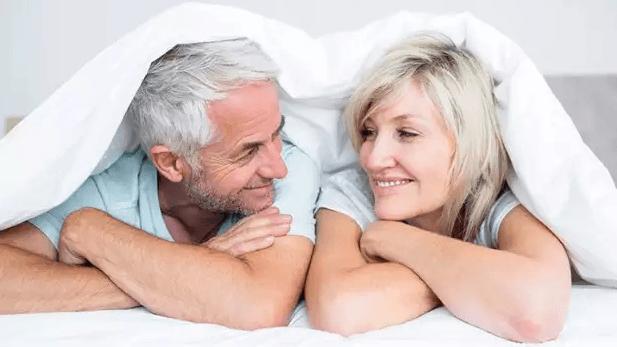 5 فوائد تحصل عليها عند ممارسة الجنس صباحًا