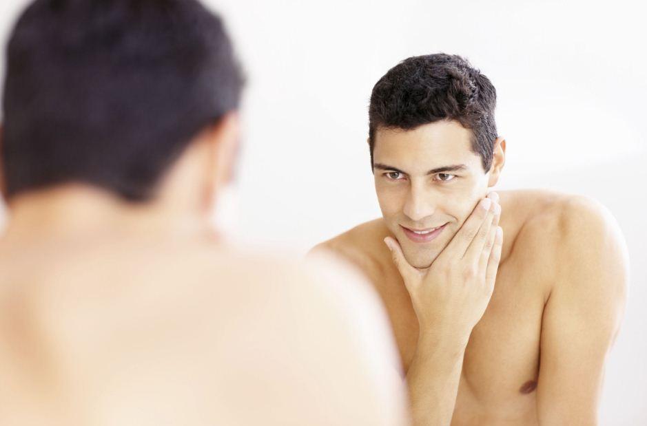 فوائد وأضرار حلاقة المناطق الحساسة عند الرجال وكيف تتم؟