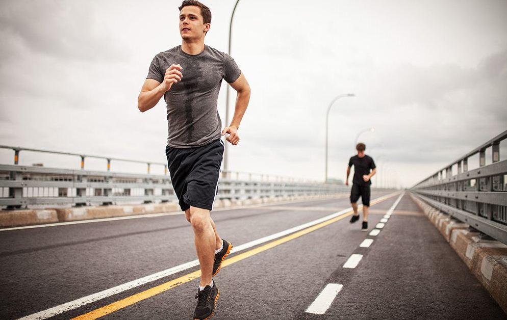 6 أطعمة عليك تجنبها قبل الرياضة حتى لا تعيقك عن التمرن