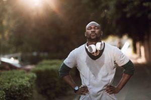 3 أمور من الضروري معرفتها لمن يعانون من كثرة التعرق