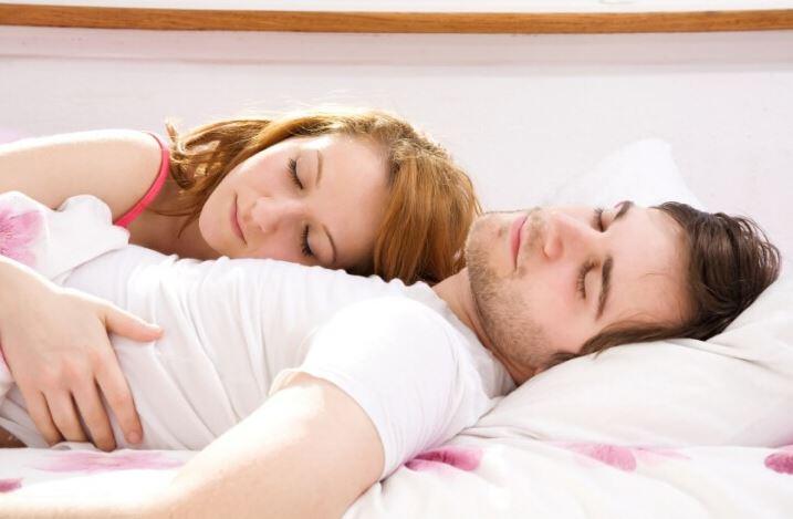 ما هي مدة الجماع الطبيعية التي يجب أن يستمر خلالها الزوجين؟