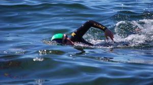 فوائد السباحة في مياه البحر